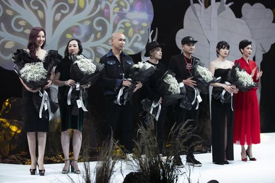 Khánh Vân, Lan Khuê, Lương Thuỳ Linh, Tường San khai mạc Vietnam Runway Fashion Week 2020 ảnh 2