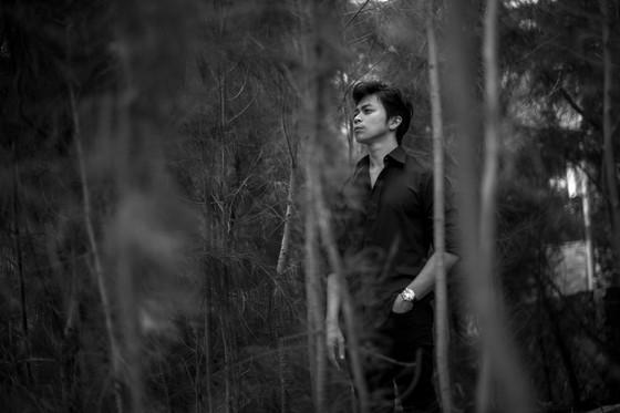 Tung bộ ảnh lịch lãm, Lân Nhã tuyên bố phát hành album vật lý đầu tiên trong sự nghiệp ảnh 5