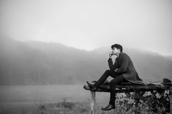 Tung bộ ảnh lịch lãm, Lân Nhã tuyên bố phát hành album vật lý đầu tiên trong sự nghiệp ảnh 6