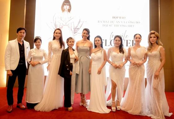 """Đào Thị Hà cùng nhiều người đẹp tham dự ra mắt dự án thời trang """"Fragile Flower"""" ảnh 1"""
