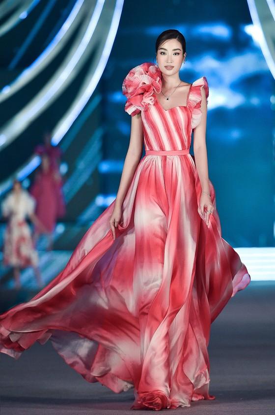 Công bố Top 5 Người đẹp Thời trang Hoa hậu Việt Nam 2020 ảnh 10