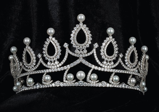 Công bố vương miện Hoa hậu Việt Nam 2020 và các vật phẩm đăng quang ảnh 14