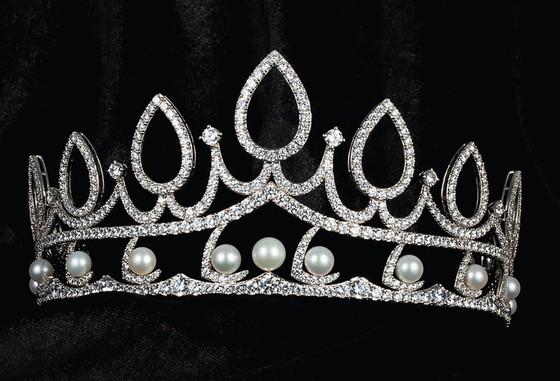 Công bố vương miện Hoa hậu Việt Nam 2020 và các vật phẩm đăng quang ảnh 15