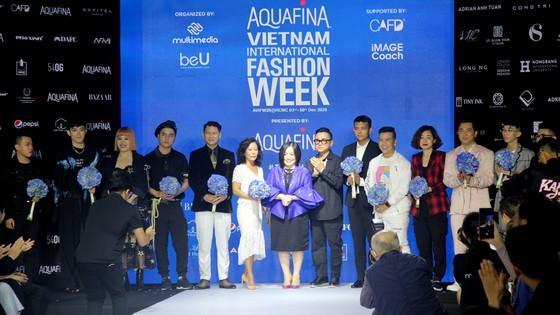 Gần 20 nhà thiết kế - thương hiệu thời trang sẽ tham gia Aquafina Vietnam International Fashion Week 2020 ảnh 4