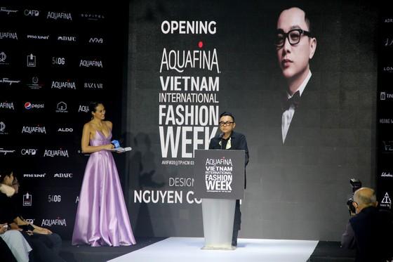 Gần 20 nhà thiết kế - thương hiệu thời trang sẽ tham gia Aquafina Vietnam International Fashion Week 2020 ảnh 3