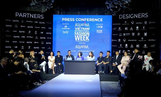 Gần 20 nhà thiết kế - thương hiệu thời trang sẽ tham gia Aquafina Vietnam International Fashion Week 2020 ảnh 1