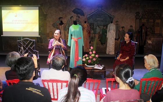 Tiếp nhận hiện vật áo dài của các nhà giáo, nhà hoạt động văn hóa ảnh 8