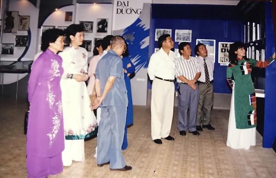 Tiếp nhận hiện vật áo dài của các nhà giáo, nhà hoạt động văn hóa ảnh 5