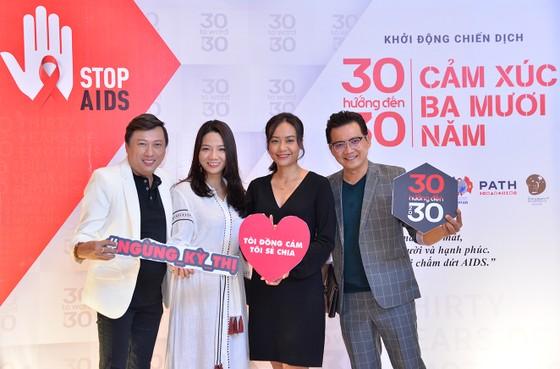 """H'Hen Niê, Hồng Ánh đồng hành Chiến dịch """"Cảm xúc 30 năm""""  ảnh 1"""