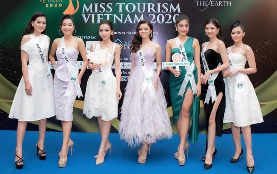 Lộ diện Top 32 thí sinh nổi bật Hoa khôi Du lịch Việt Nam 2020 ảnh 1