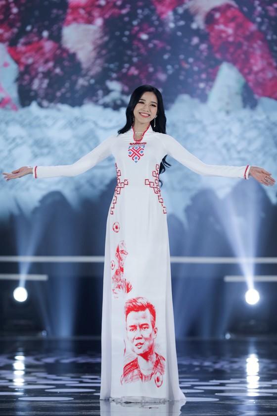 Cận cảnh nhan sắc tân Hoa hậu Đỗ Thị Hà  ảnh 4