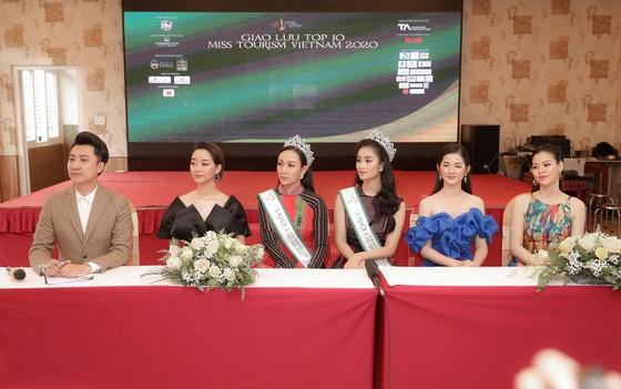 Ban tổ chức trả lời lý do cuộc thi Hoa khôi Du lịch Việt Nam 2020 không có người chiến thắng  ảnh 1