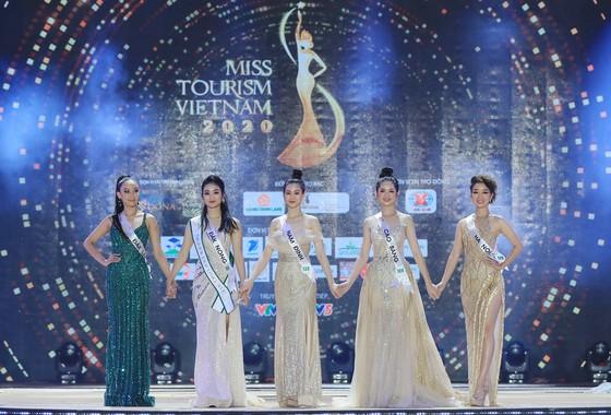 Ban tổ chức trả lời lý do cuộc thi Hoa khôi Du lịch Việt Nam 2020 không có người chiến thắng  ảnh 2