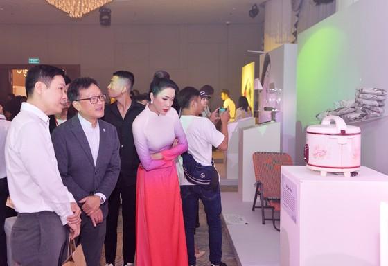 Đông đảo nghệ sĩ đồng hành đêm hội ngộ 'Cảm xúc 30 năm' ảnh 5