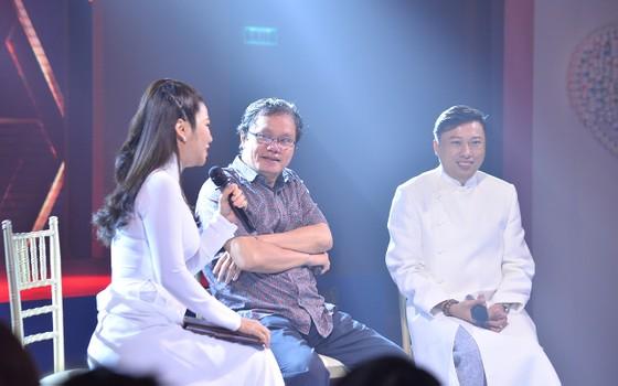 Đông đảo nghệ sĩ đồng hành đêm hội ngộ 'Cảm xúc 30 năm' ảnh 11