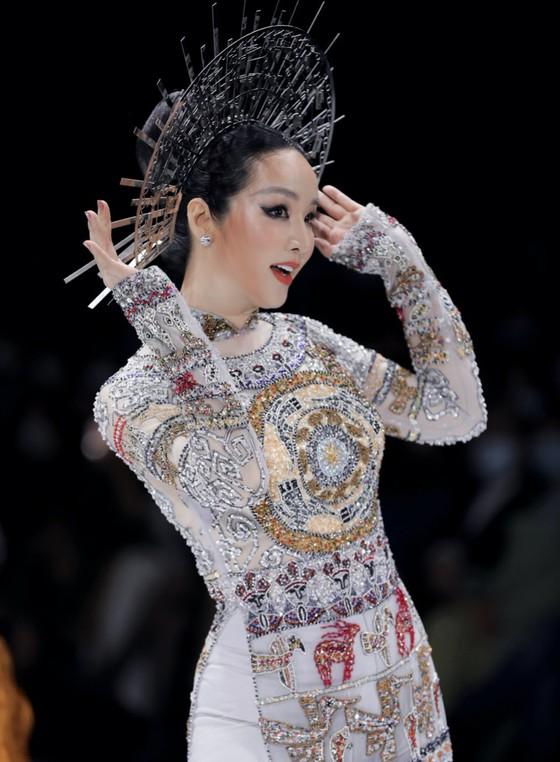Trương Ngọc Ánh, Đức Hải trở lại sàn catwalk sau gần 10 năm ảnh 9