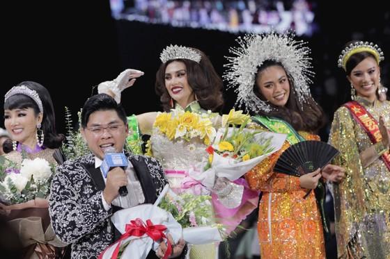 Dàn hoa hậu, á hậu rực rỡ trong Tuần lễ Thời trang Quốc tế Việt Nam 2020 ảnh 15