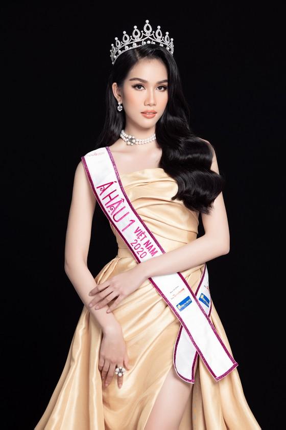 Nhan sắc Hoa hậu Đỗ Thị Hà và 2 Á hậu sau 1 tháng đăng quang ảnh 10