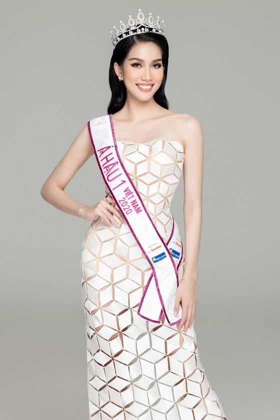 Nhan sắc Hoa hậu Đỗ Thị Hà và 2 Á hậu sau 1 tháng đăng quang ảnh 8
