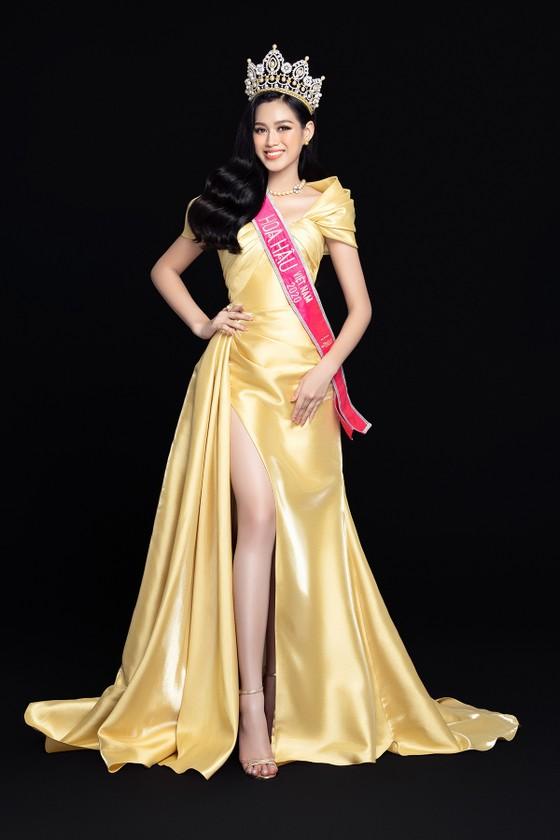 Nhan sắc Hoa hậu Đỗ Thị Hà và 2 Á hậu sau 1 tháng đăng quang ảnh 5