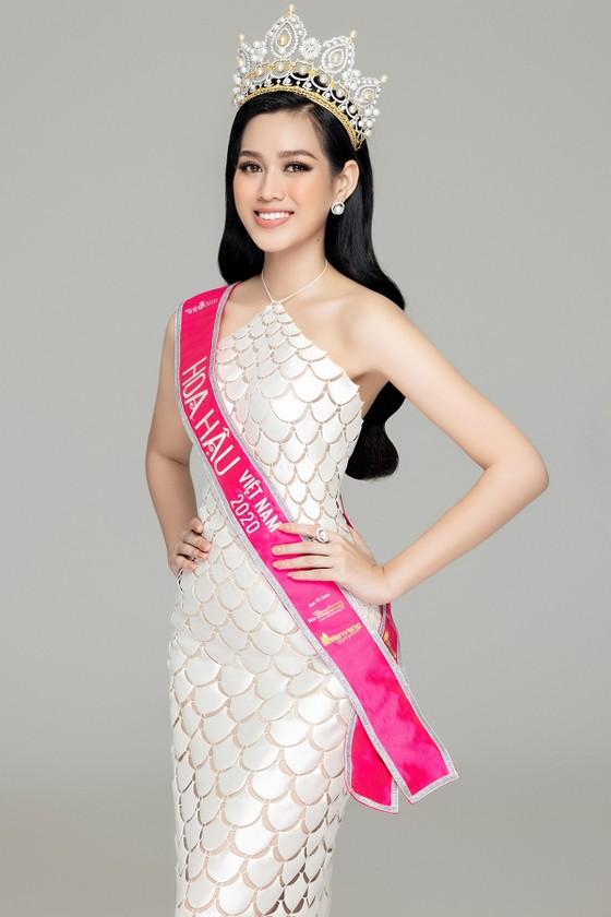 Nhan sắc Hoa hậu Đỗ Thị Hà và 2 Á hậu sau 1 tháng đăng quang ảnh 6