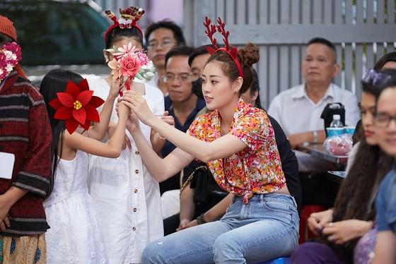 Hoa hậu Khánh Vân đón giáng sinh cùng các em ngôi nhà OBV ảnh 4