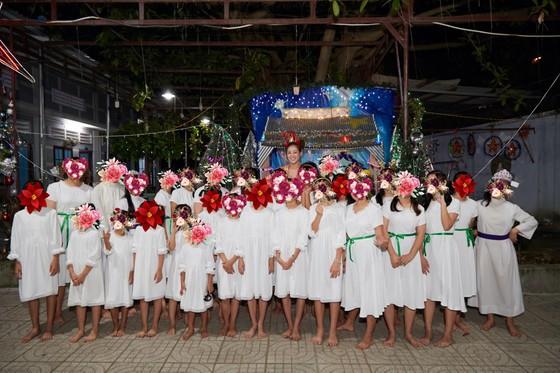 Hoa hậu Khánh Vân đón giáng sinh cùng các em ngôi nhà OBV ảnh 2