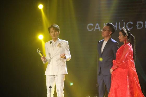 Binz và Amee đoạt giải ca sĩ của năm tại Giải thưởng Làn sóng xanh 2020 ảnh 7