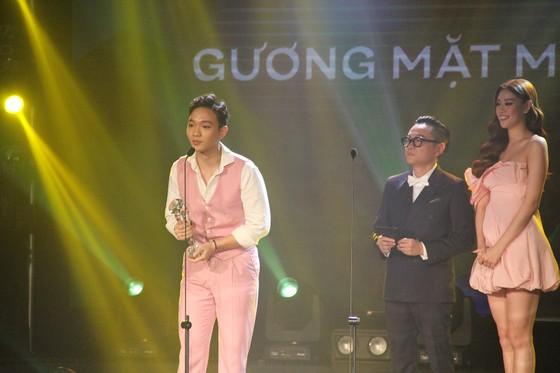 Binz và Amee đoạt giải ca sĩ của năm tại Giải thưởng Làn sóng xanh 2020 ảnh 8