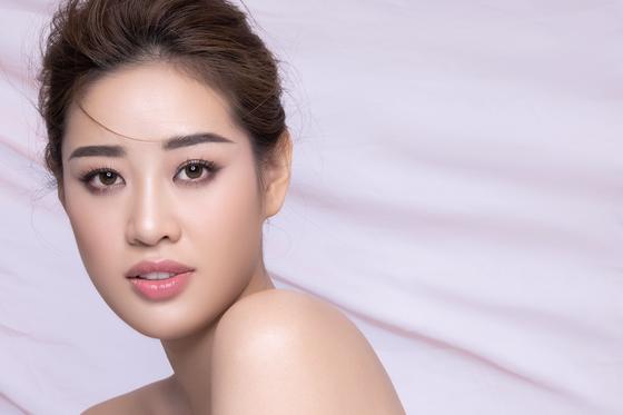 Hoa hậu Khánh Vân kể câu chuyện của những dải lụa  ảnh 2