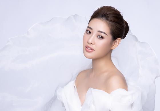Hoa hậu Khánh Vân kể câu chuyện của những dải lụa  ảnh 3