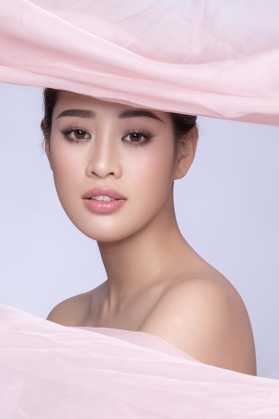 Hoa hậu Khánh Vân kể câu chuyện của những dải lụa  ảnh 4