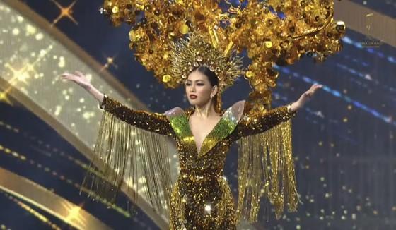 Á hậu Ngọc Thảo trình diễn quốc phục ấn tượng trên sân khấu Miss Grand International 2020 ảnh 2
