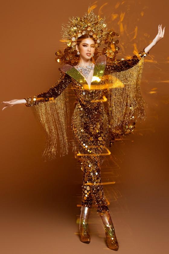Á hậu Ngọc Thảo trình diễn quốc phục ấn tượng trên sân khấu Miss Grand International 2020 ảnh 5