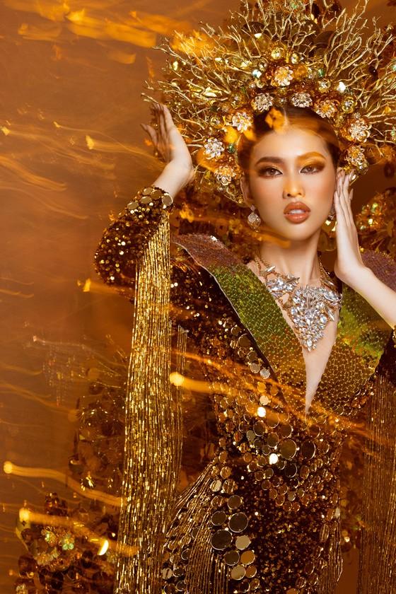 Á hậu Ngọc Thảo trình diễn quốc phục ấn tượng trên sân khấu Miss Grand International 2020 ảnh 6