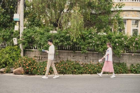 Thiều Bảo Trâm hát nhạc tỏ tình trong MV 'Love Rosie' ảnh 4