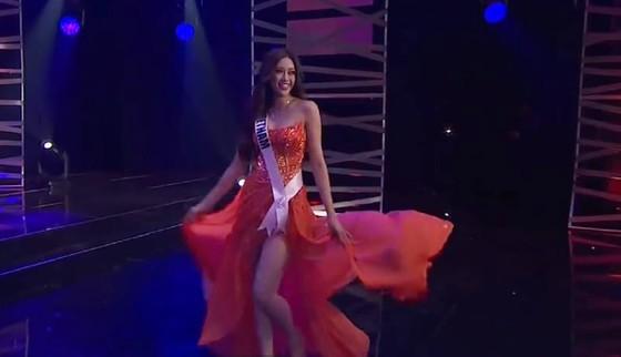 Cận cảnh trang phục dạ hội của Hoa hậu Khánh Vân tại bán kết Miss Universe ảnh 6