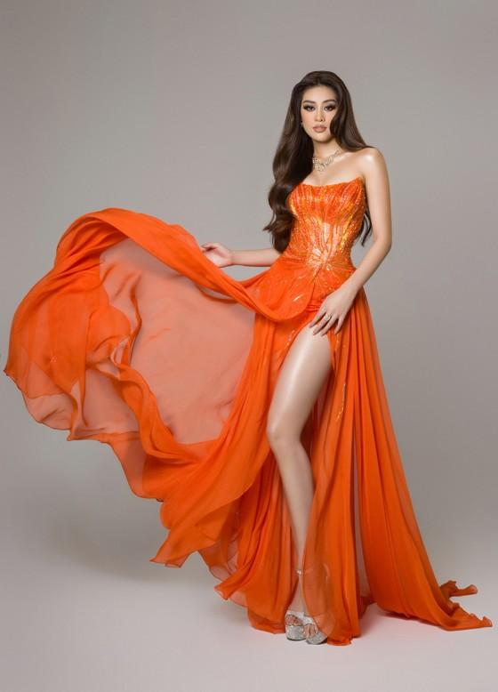 Cận cảnh trang phục dạ hội của Hoa hậu Khánh Vân tại bán kết Miss Universe ảnh 16