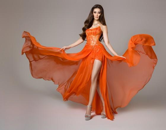 Cận cảnh trang phục dạ hội của Hoa hậu Khánh Vân tại bán kết Miss Universe ảnh 13