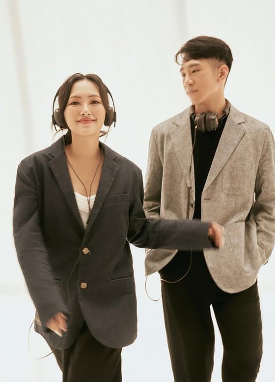 Nguyên Hà và Minh Min mang 'Cuối tuần' bình yên đến khán giả ảnh 3