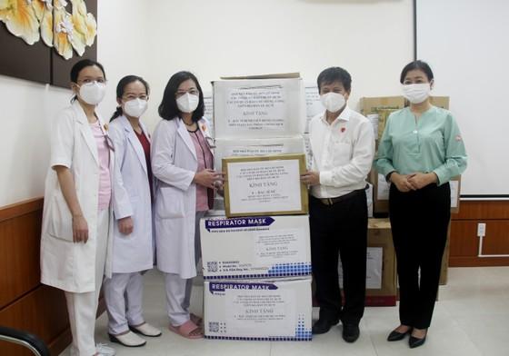 42 cơ quan báo chí hỗ trợ y bác sĩ tuyến đầu chống dịch tại TPHCM ảnh 4