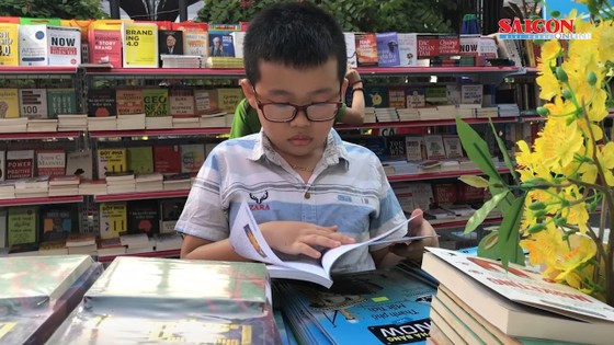 Hơn 60.000 đầu sách tại Lễ hội Đường sách Tết Canh Tý 2020 ảnh 1