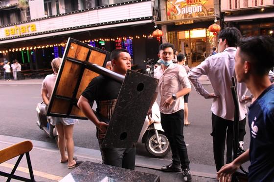 Tạm ngưng hoạt động massage, karaoke, bar, vũ trường... phòng Covid-19 ảnh 4
