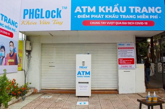 'ATM' khẩu trang miễn phí ảnh 4