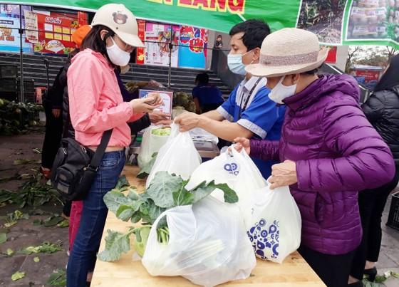"""Nhiều siêu thị tham gia """"giải cứu"""" nông sản Hải Dương, Hải Phòng ảnh 1"""
