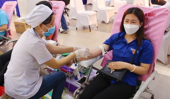 Lượng máu dự trữ đang thiếu, hãy chung tay tham gia hiến máu tình nguyện ảnh 1