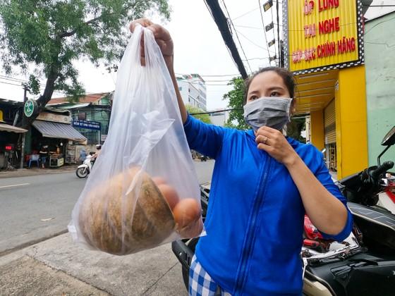'Tủ lạnh cộng đồng' cho thực phẩm mang về nấu ảnh 6