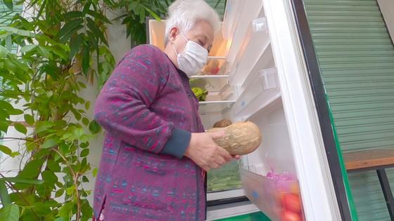 'Tủ lạnh cộng đồng' cho thực phẩm mang về nấu ảnh 3