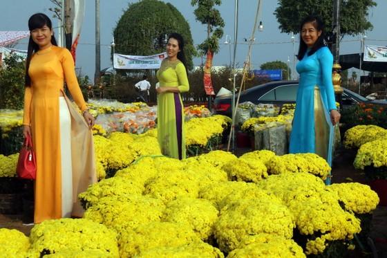 Khai mạc chợ hoa Xuân ở thành phố biển Rạch Giá ảnh 1