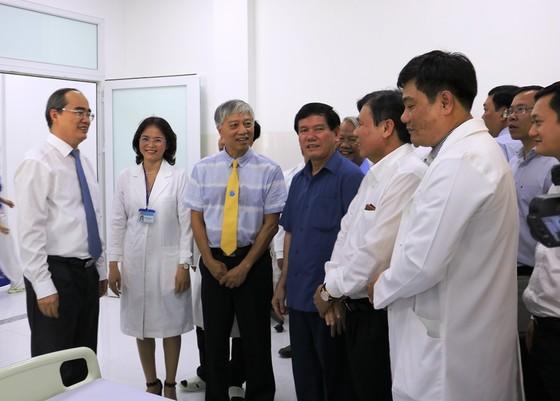 Bí thư Thành ủy TPHCM Nguyễn Thiện Nhân thăm, tặng quà tết ở Trà Vinh  ảnh 5